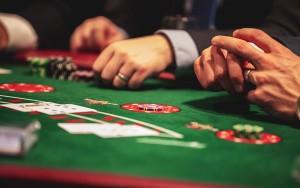 Aprovechas la información para jugar poker