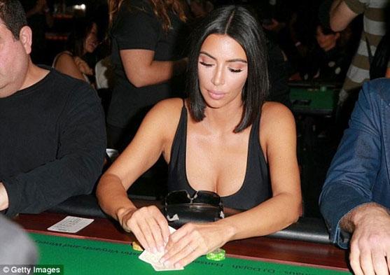 Kim-Kardashians-aposto