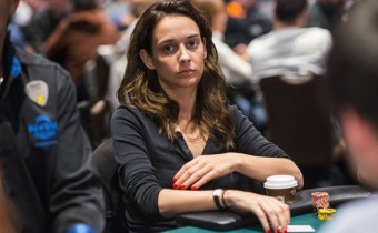 Marle Cordeiro. Considerada como la reina del poker que triunfa en internet