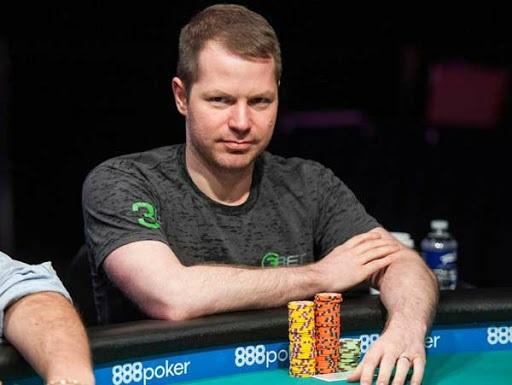 Estrategia de poker con Jonathan Little jugar al par superior prediciendo las reacciones del oponente-2