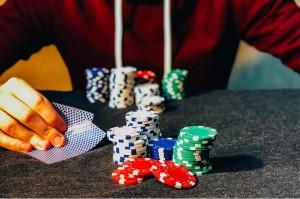 Como tener la segunda pila más grande en la mesa, Tres enfoques - Estrategia Póker-